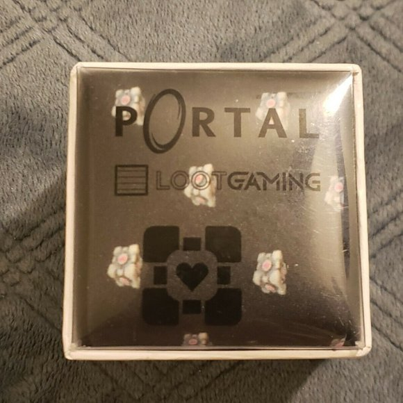 Loot crate Portal Tie Excellent condition.new Loot gaming